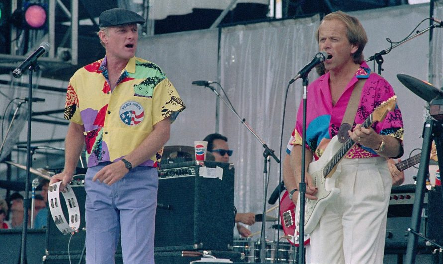 When Beach Boy Mike Love Utterly Failed to Save the World